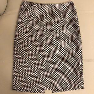 White House Back Market   Houndstooth Pencil Skirt